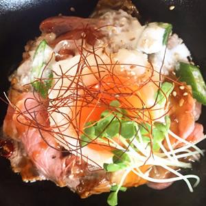 ローストビーフ丼と最近の音楽事情
