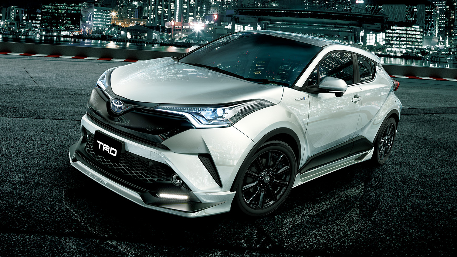 carlineup_c-hr_customize_trd_aggressivestyle_large_01